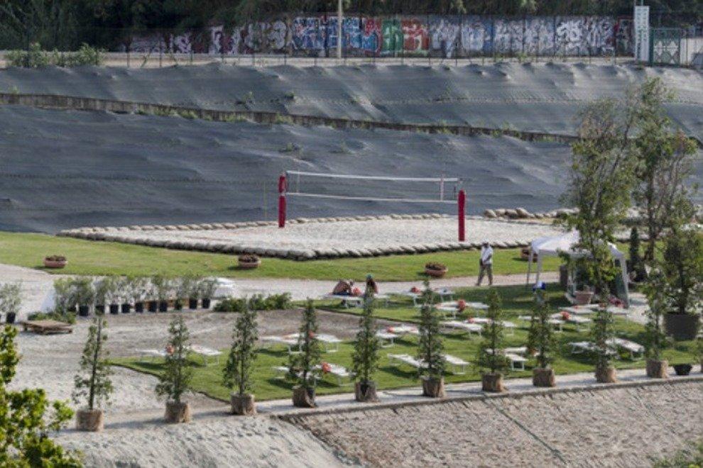 La spiaggia Tiberis sotto Ponte Marconi