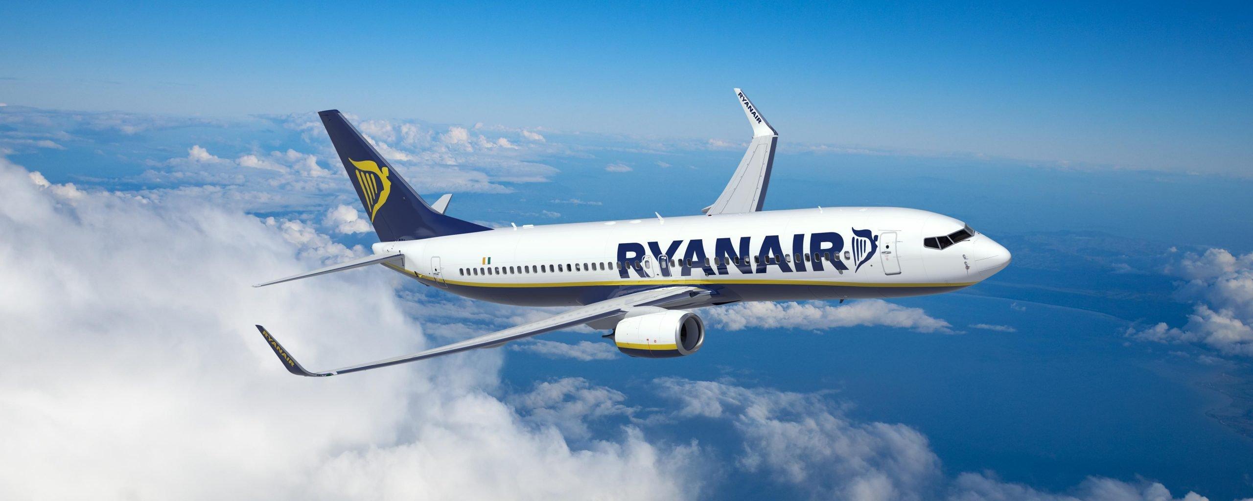 Un aereo Ryanair in volo