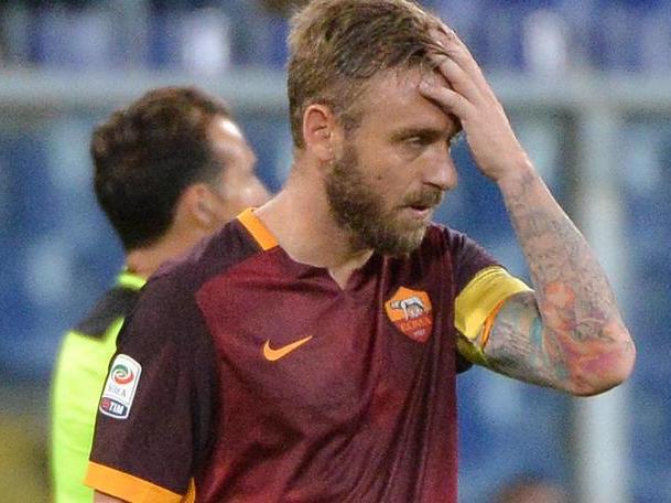 De Rossi deluso dopo la sconfitta della Roma