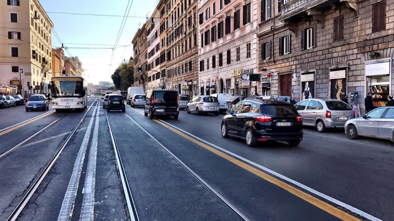 La preferenziale di Via Emanuele Filiberto a Roma