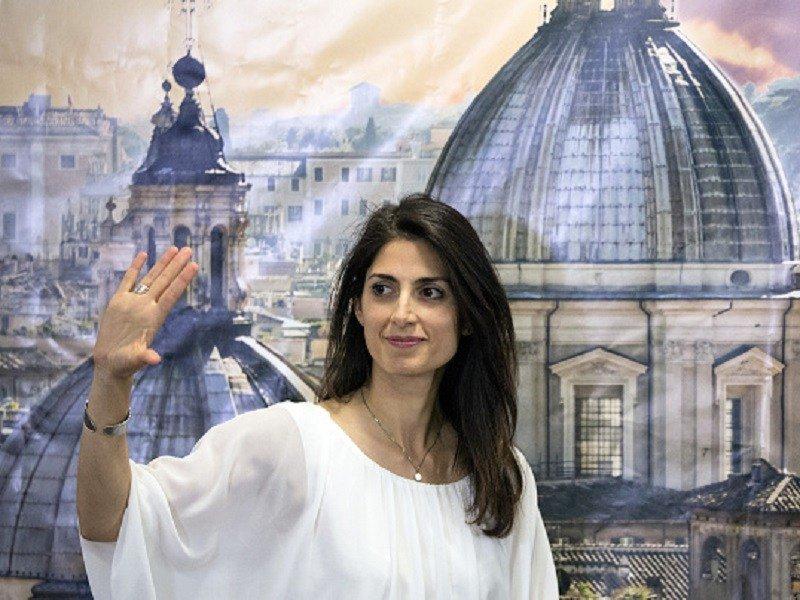 Il sindaco di Roma Raggi