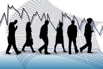 Sale la disoccupazione giovanile