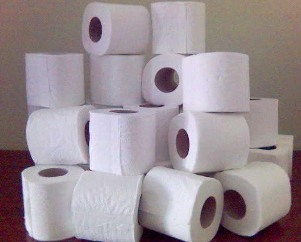 Australia, manca la carta igienica: giornale stampa inserto da usare in bagno