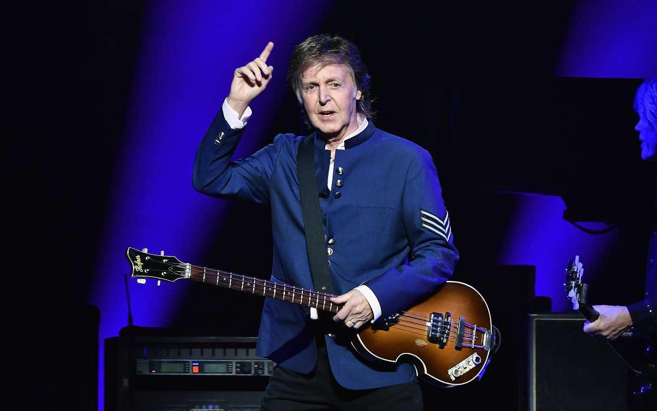 Paul McCartney attacca Italia