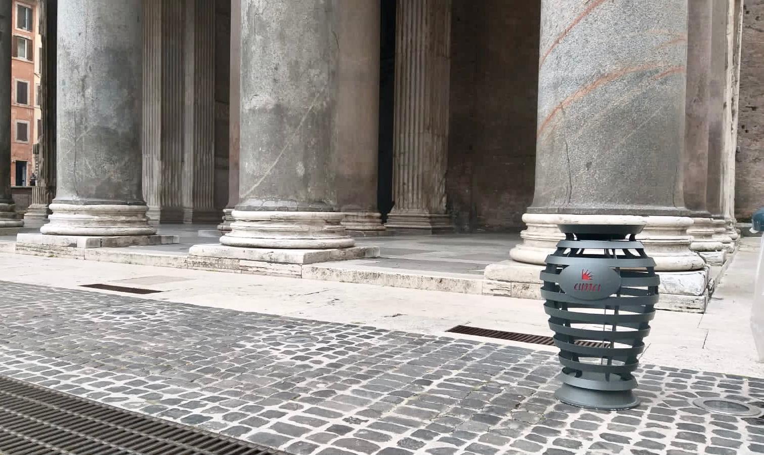 ROMA - Arrivano i nuovi cestini per i rifiuti