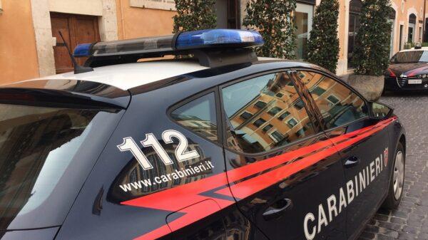 ROMA Carabinieri Beccano 3 ragazze